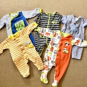 Lot of 5 Sleepers for 6-9 Months